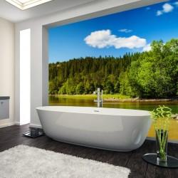 Panel szklany do łazienki las przy jeziorze